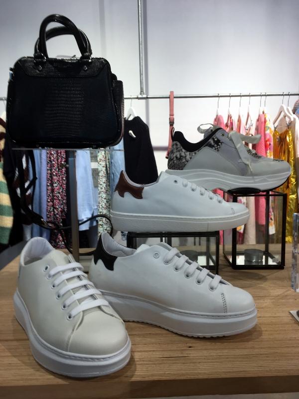 Une chouette paire de sneackers ... belge !!